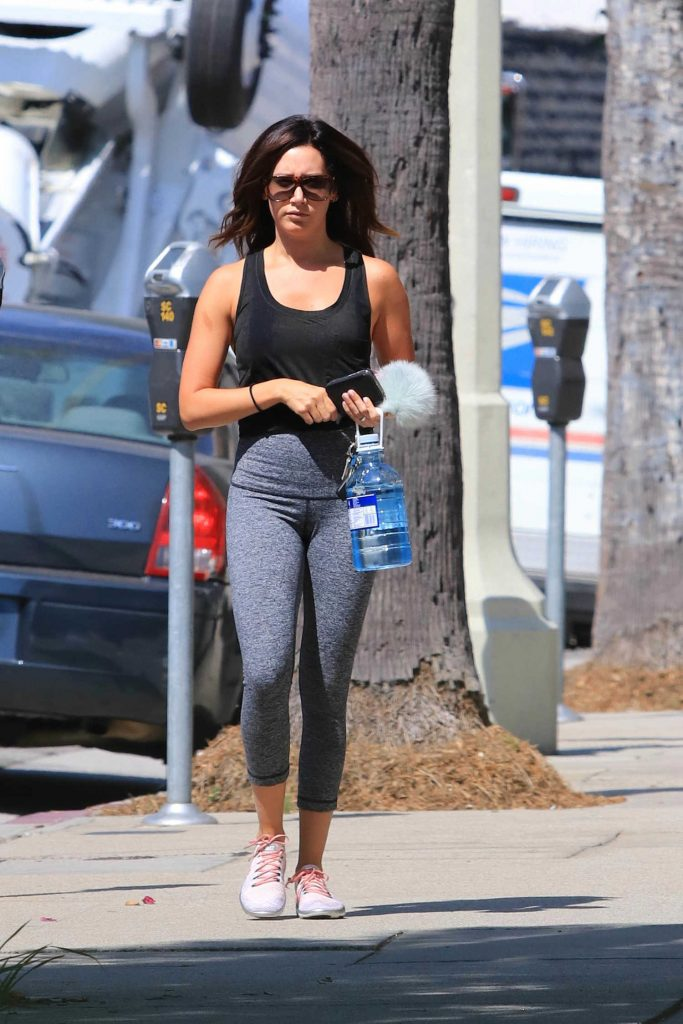 Ashley Tisdale Hits the Gym in Los Angeles-2