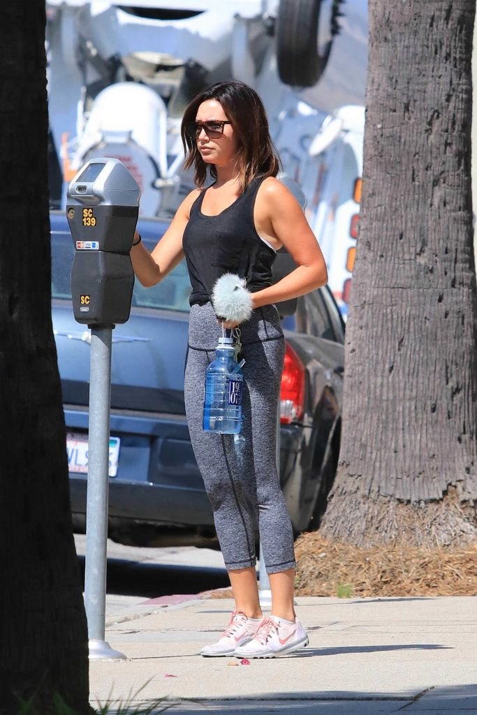 Ashley Tisdale Hits the Gym in Los Angeles-4