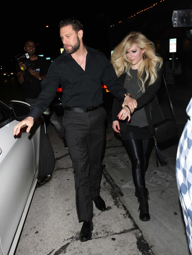 Avril Lavigne Leaves Craig's Restaurant in West Hollywood-2
