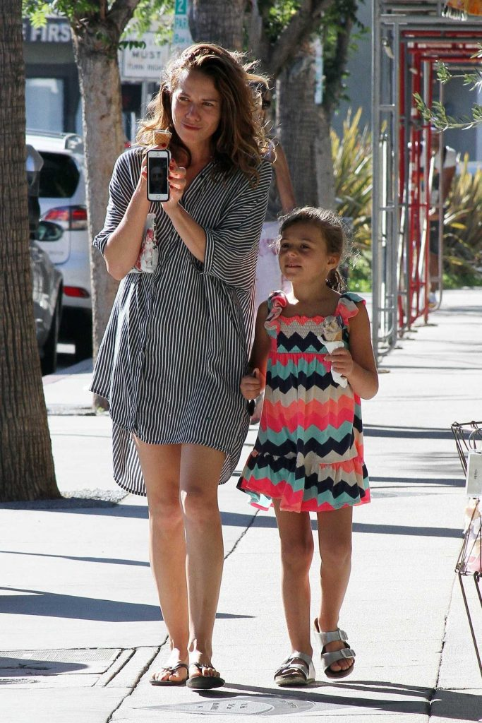 Bethany Joy Lenz Stops for Some Ice Cream With Her Daughter in Studio City-3