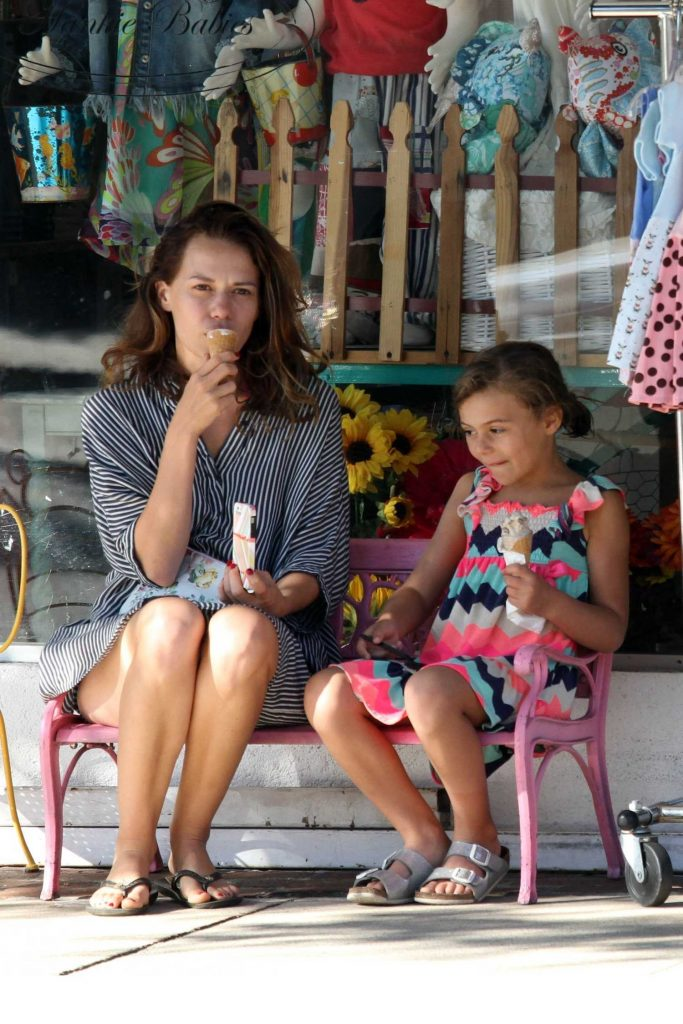 Bethany Joy Lenz Stops for Some Ice Cream With Her Daughter in Studio City-4