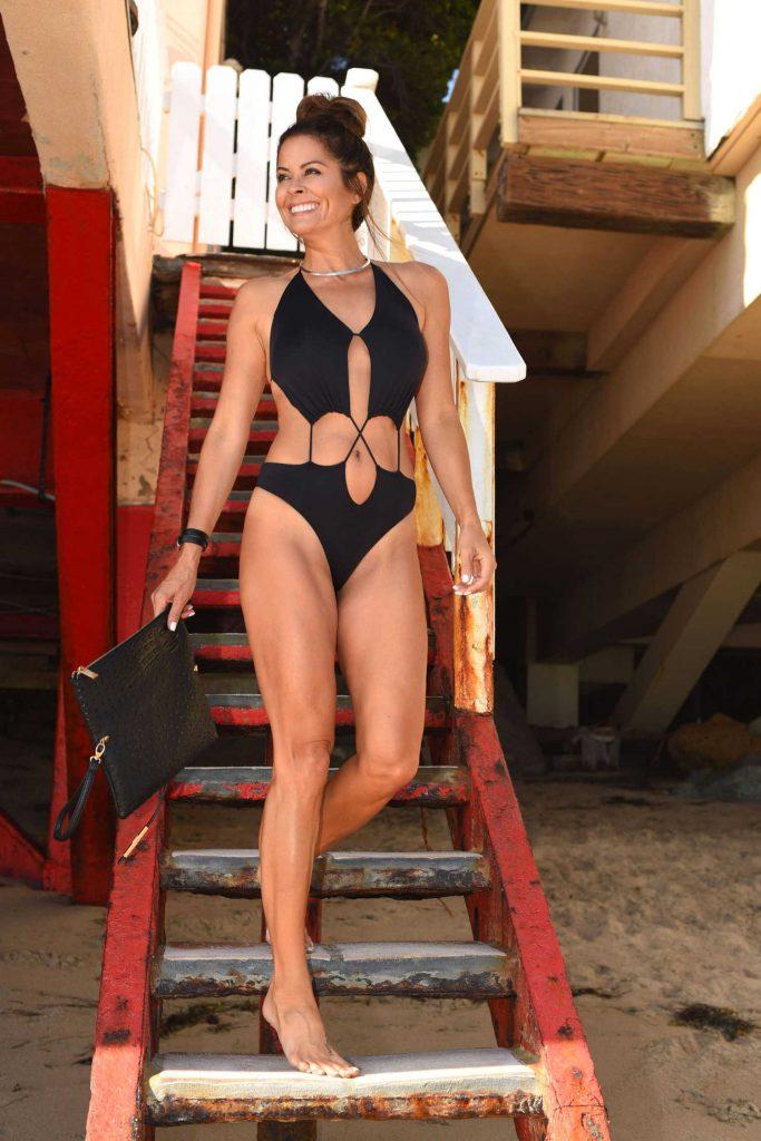 Brooke Burke Wears a Black Swimsuit at Her Beach House in Malibu-1
