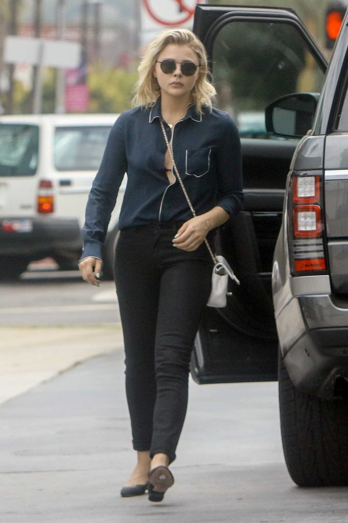 Chloe Moretz at a Gas Station in Studio City-1