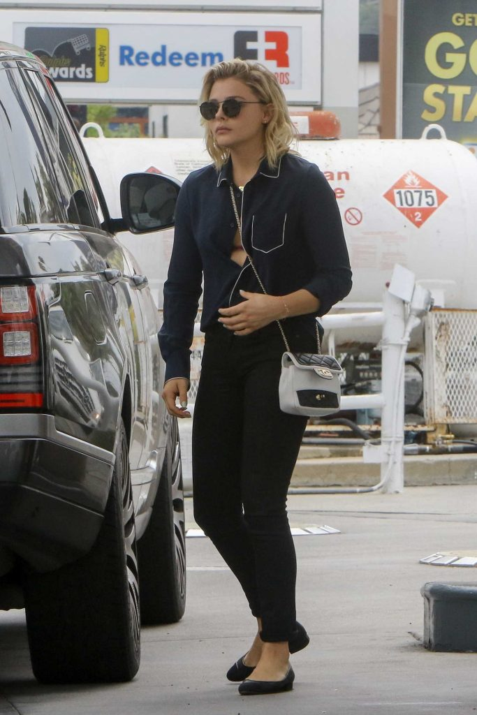 Chloe Moretz at a Gas Station in Studio City-2