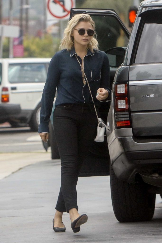 Chloe Moretz at a Gas Station in Studio City-4
