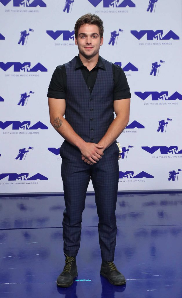 Dylan Sprayberry at the 2017 MTV Video Music Awards in Los Angeles-1