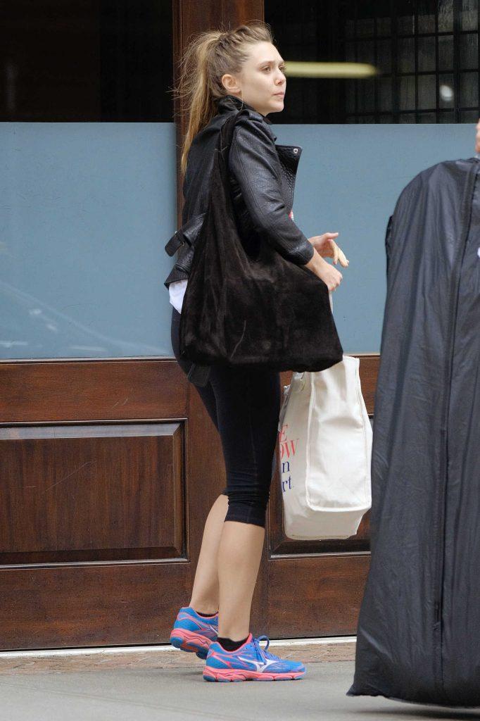 Elizabeth Olsen Returns to Her Hotel in Tribeca-1