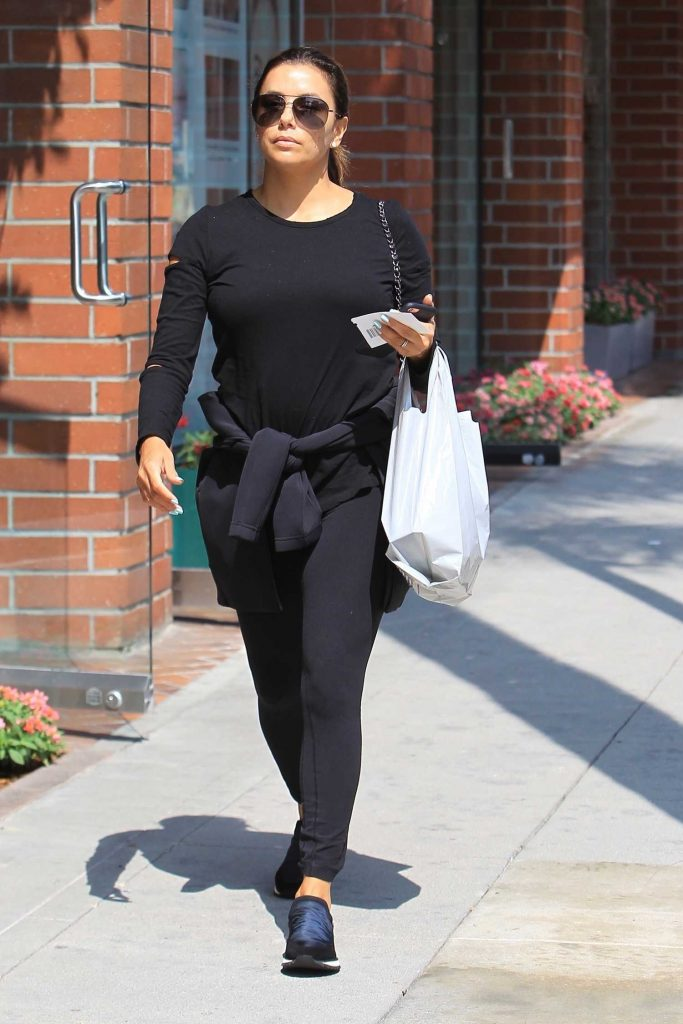 Eva Longoria Arrives at the Salon in Beverly Hills-1