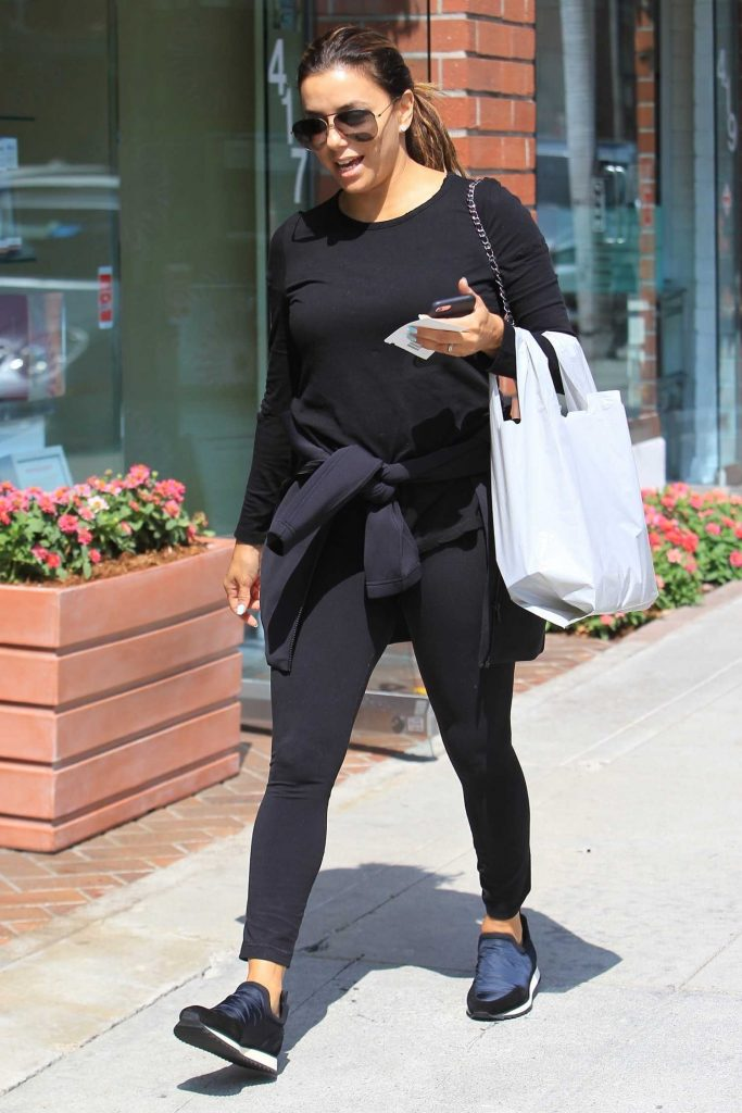 Eva Longoria Arrives at the Salon in Beverly Hills-2