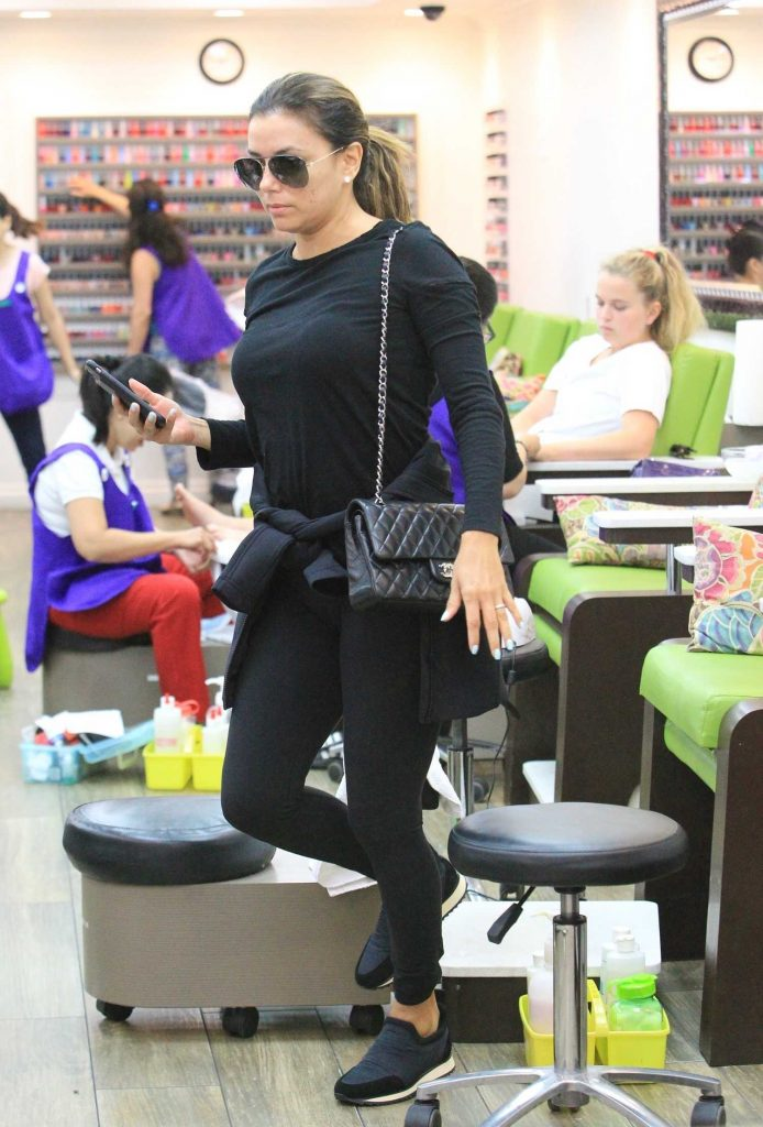 Eva Longoria Arrives at the Salon in Beverly Hills-4
