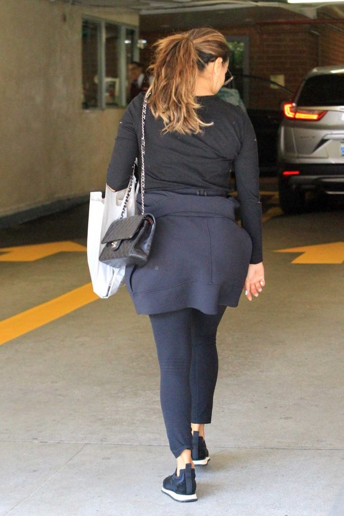 Eva Longoria Arrives at the Salon in Beverly Hills-5