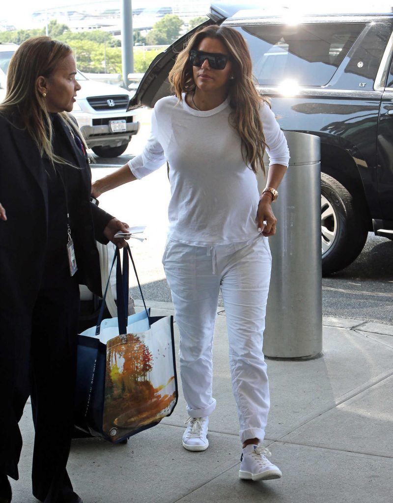 Eva Longoria Was Seen at JFK Airport in New York-2