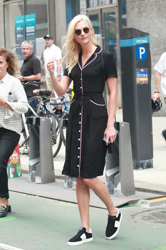 Karlie Kloss Steps Out in NYC-1