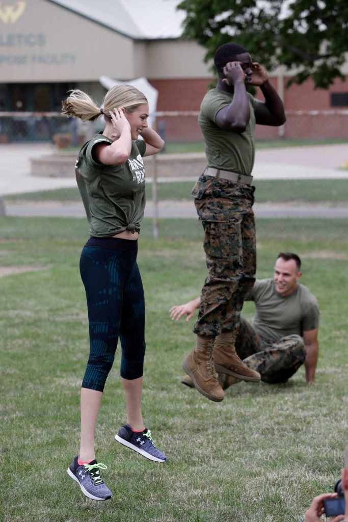 Kate Upton Takes Part in a Marine Workout in Detroit-2
