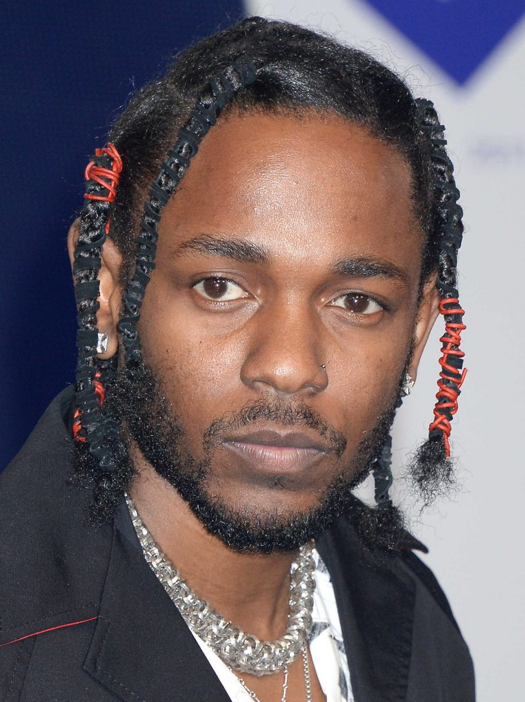 Kendrick Lamar at the 2017 MTV Video Music Awards in Los Angeles-2