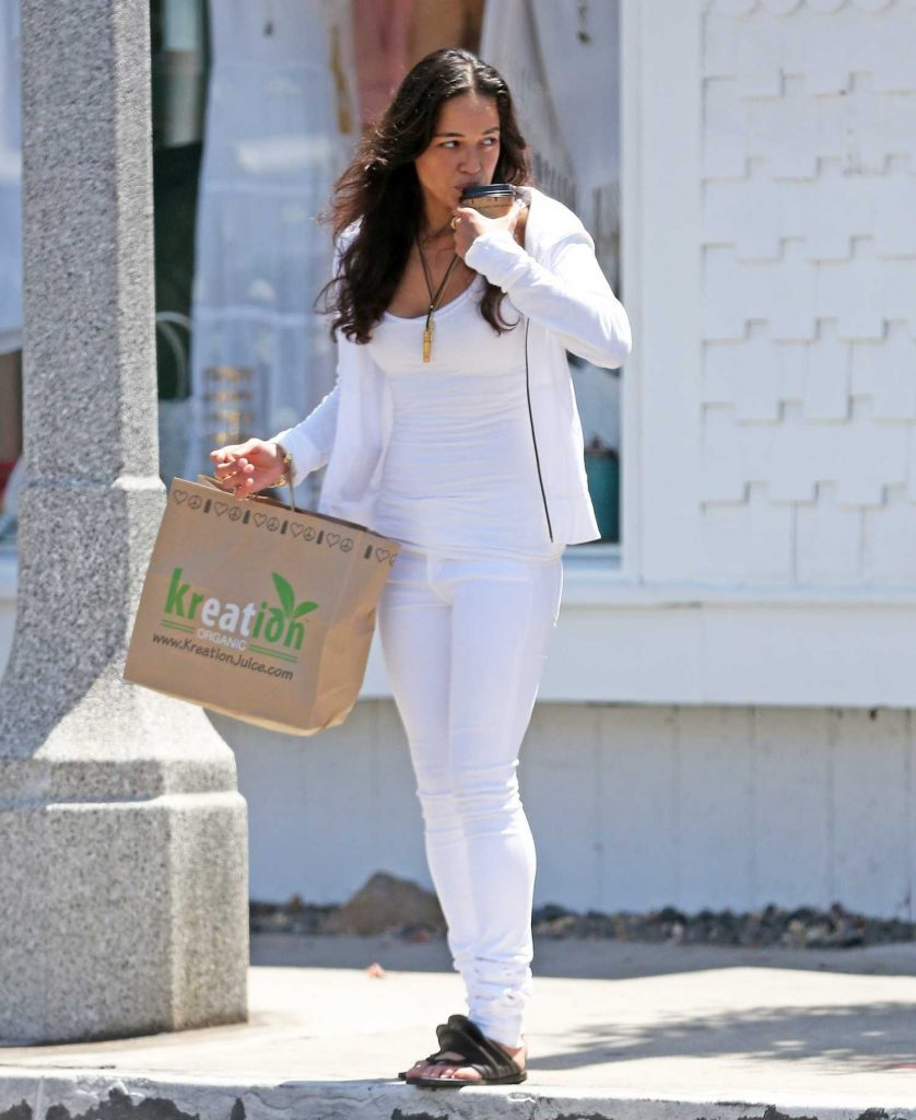 Michelle Rodriguez Picks up Lunch at Kreation in LA-1
