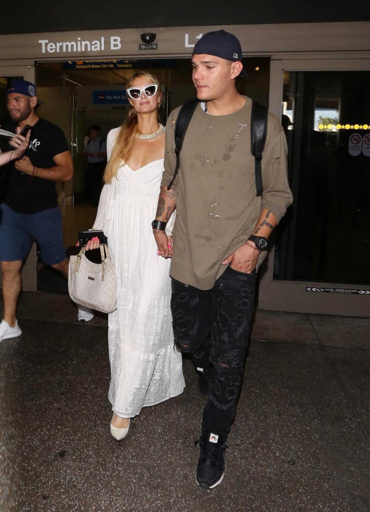 Paris Hilton Was Spotted at LAX Airport in LA With Chris Zylka-1