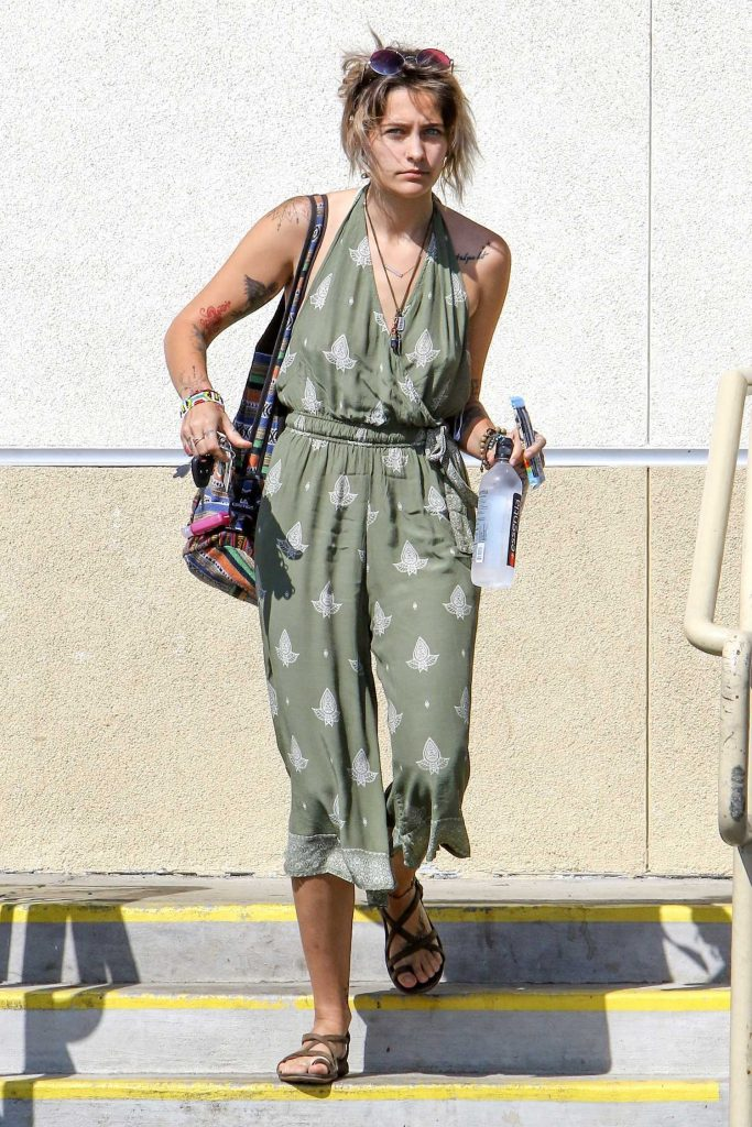 Paris Jackson Makes a Stop at a Gas Station in Malibu-1