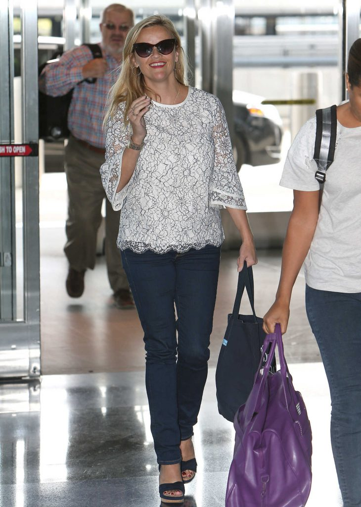 Reese Witherspoon at JFK Airport in New York-1