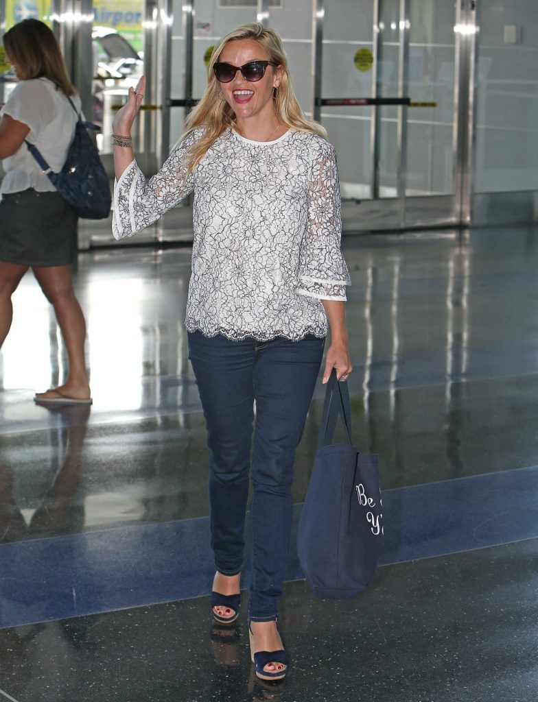 Reese Witherspoon at JFK Airport in New York-2