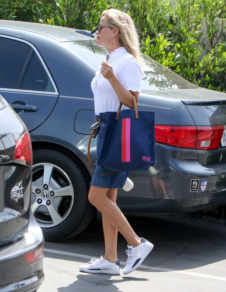 Reese Witherspoon Was Seen Out in LA-4