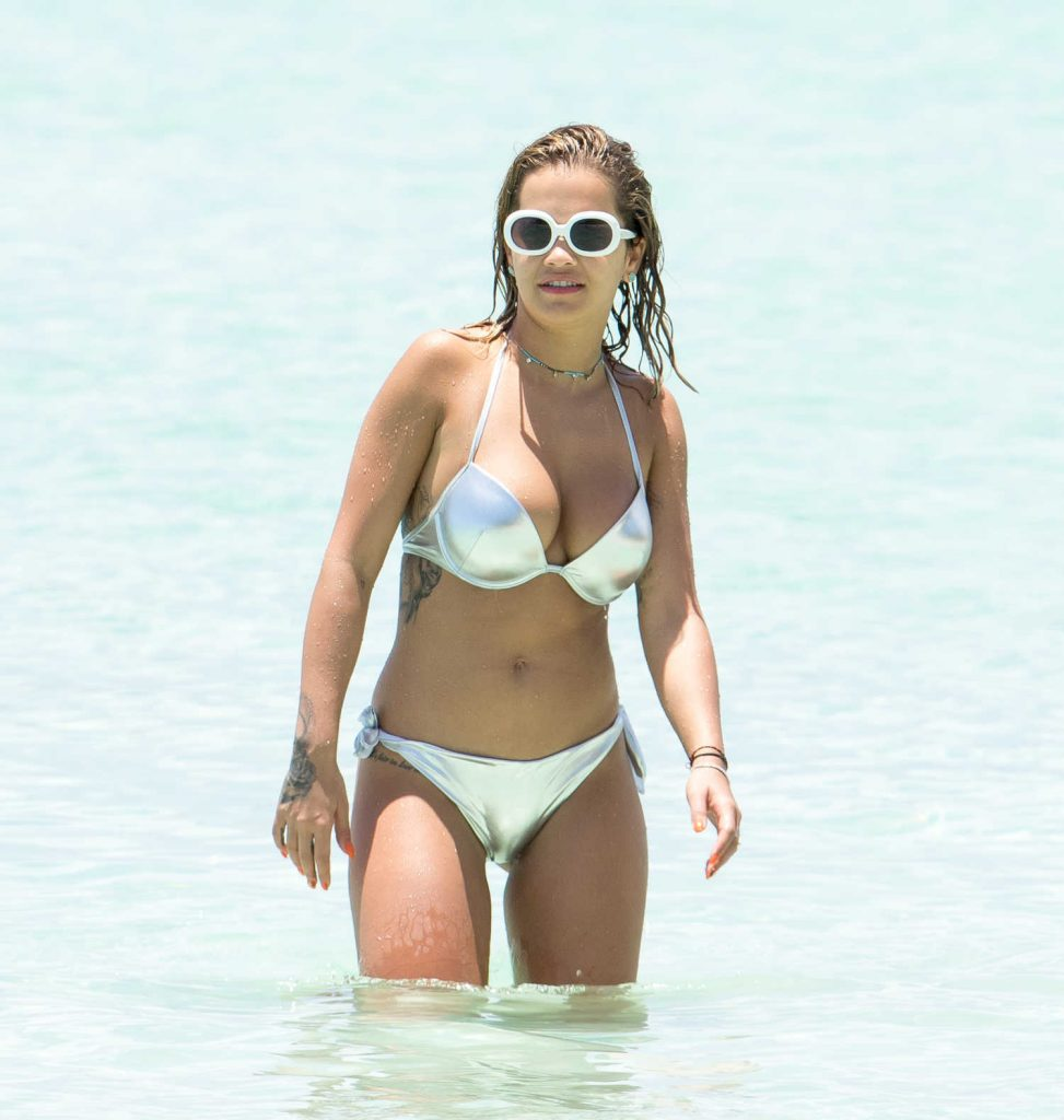 Rita Ora in Bikini Goes for a Boat Trip in Jamaica-2
