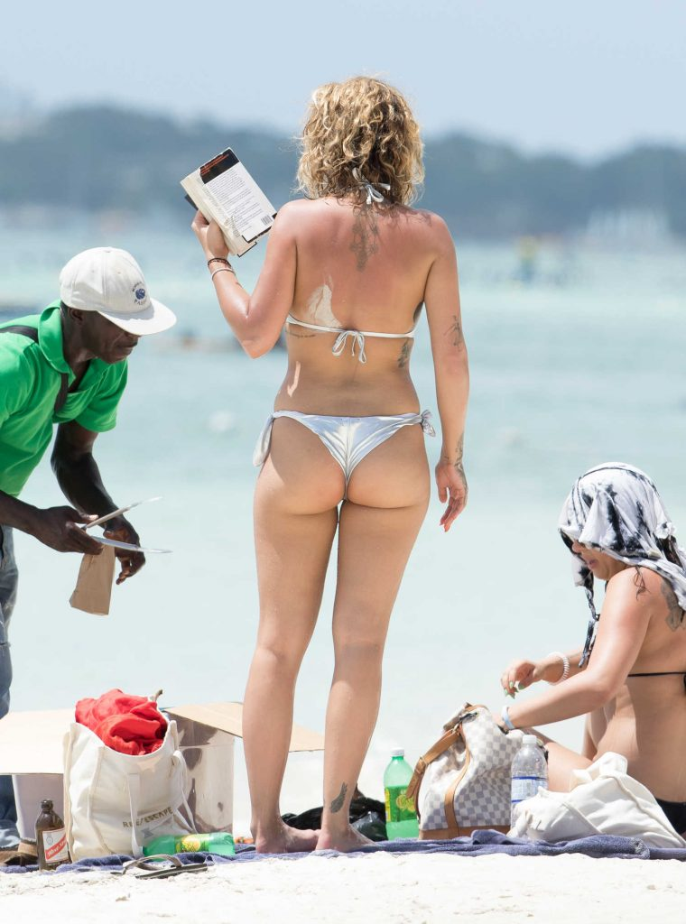 Rita Ora in Bikini Goes for a Boat Trip in Jamaica-5