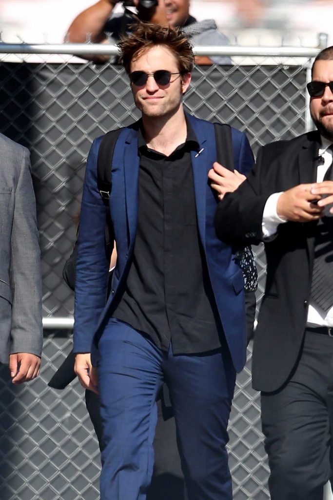 Robert Pattinson Arrives at Jimmy Kimmel Live in Hollywood-1