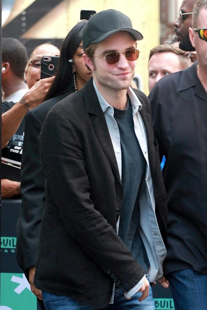 Robert Pattinson Leaves AOL Build Studio in New York City-5