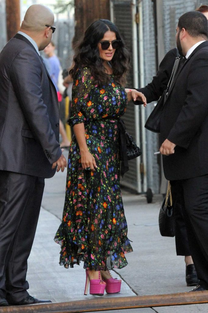 Salma Hayek Arrives at Jimmy Kimmel Live in Los Angeles-1