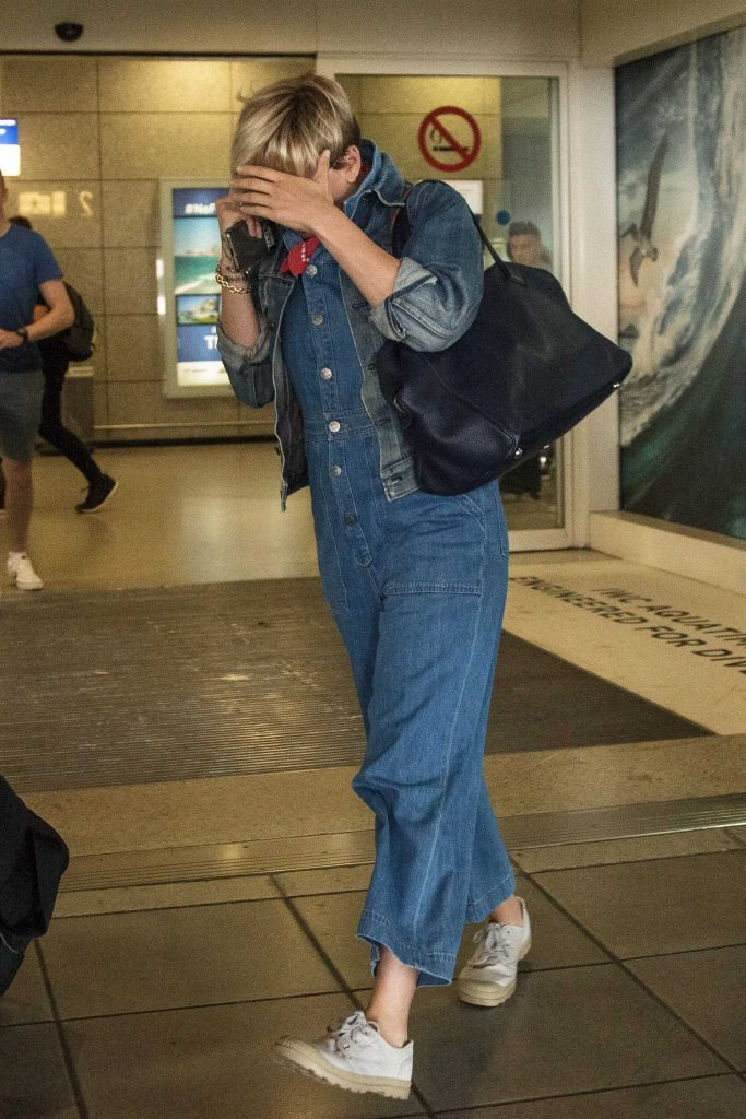 Scarlett Johansson Was Seen at Athens Airport in Greece-2