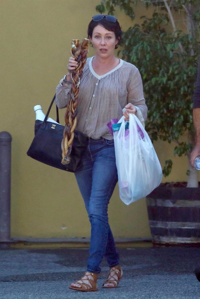 Shannen Doherty Goes Shopping in Sherman Oaks-2