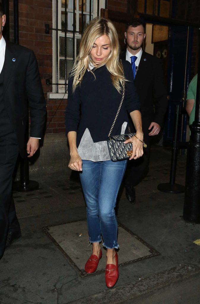 Sienna Miller Leaves Apollo Theatre in London After Her Performance in Cat on a Hot Tin Roof-2