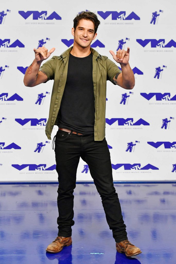 Tyler Posey at the 2017 MTV Video Music Awards in Los Angeles-2