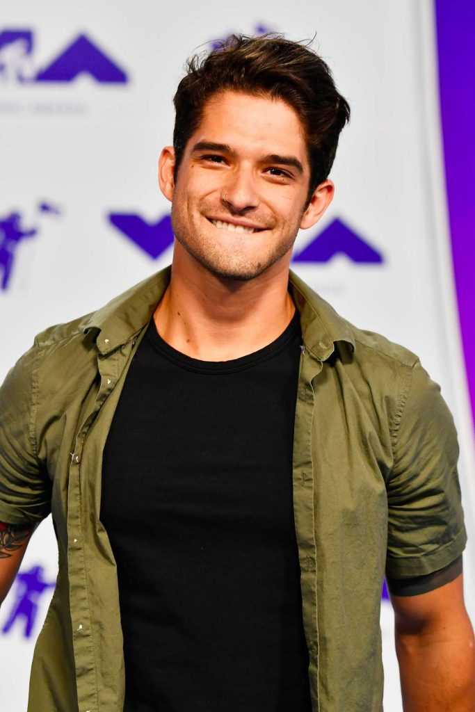 Tyler Posey at the 2017 MTV Video Music Awards in Los Angeles-4