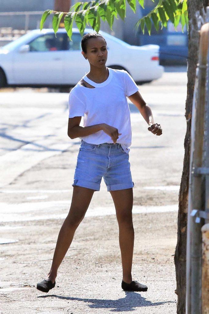 Zoe Saldana Was Seen Out in Studio City-3