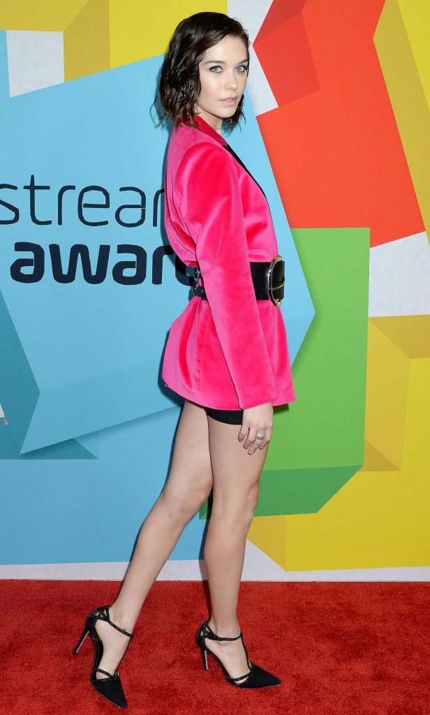 Amanda Steele at Streamy Awards in Beverly Hills-3