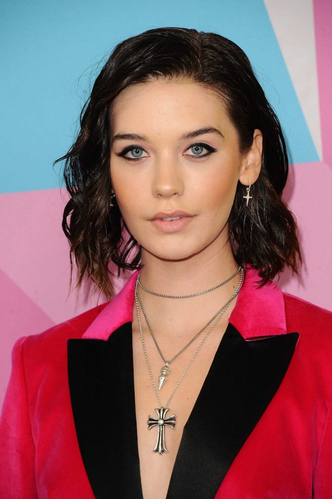 Amanda Steele at Streamy Awards in Beverly Hills-5
