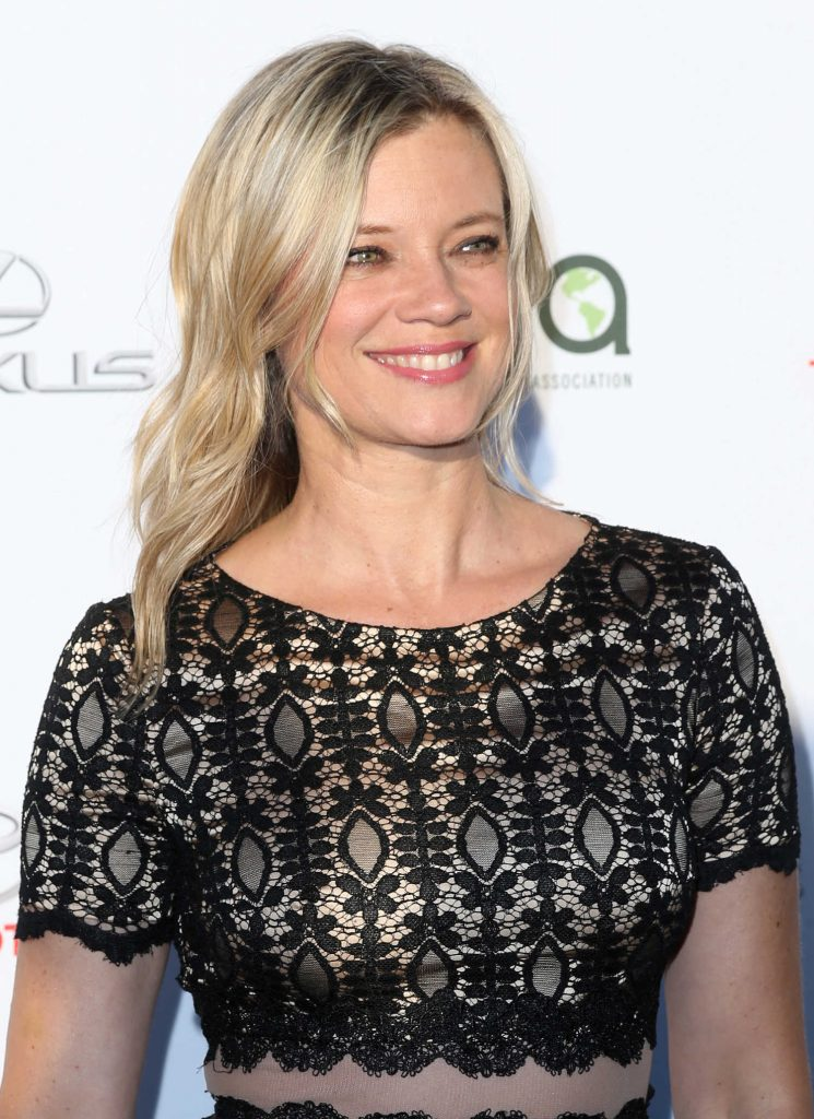 Amy Smart at the Environmental Media Association Awards in Los Angeles-4