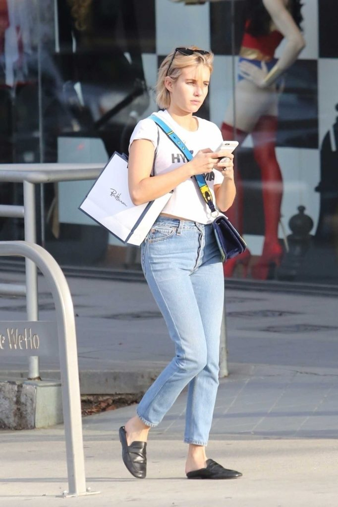 Emma Roberts Enjoys a Casual Day in Los Angeles-1