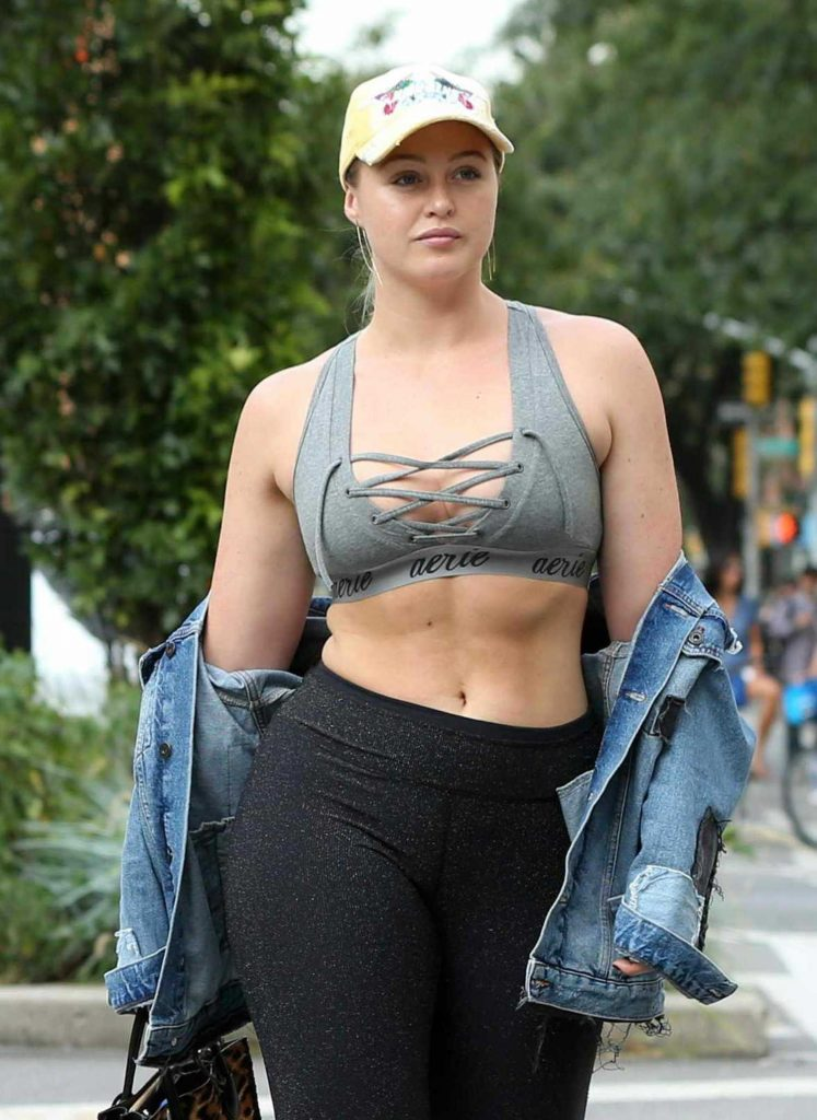 Iskra Lawrence Walks to the Gym in Chelsea in New York City-4