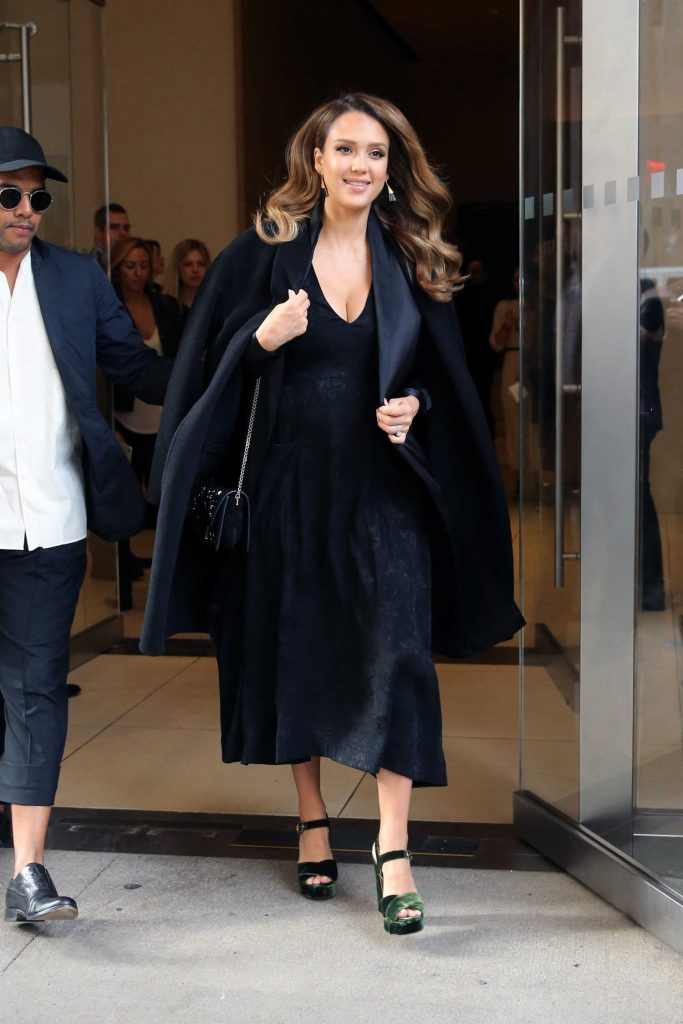 Jessica Alba Leaves the Edition Hotel in New York-2
