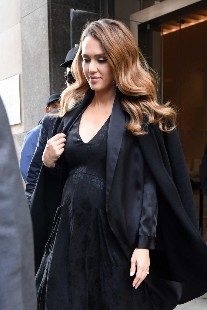 Jessica Alba Leaves the Edition Hotel in New York-5