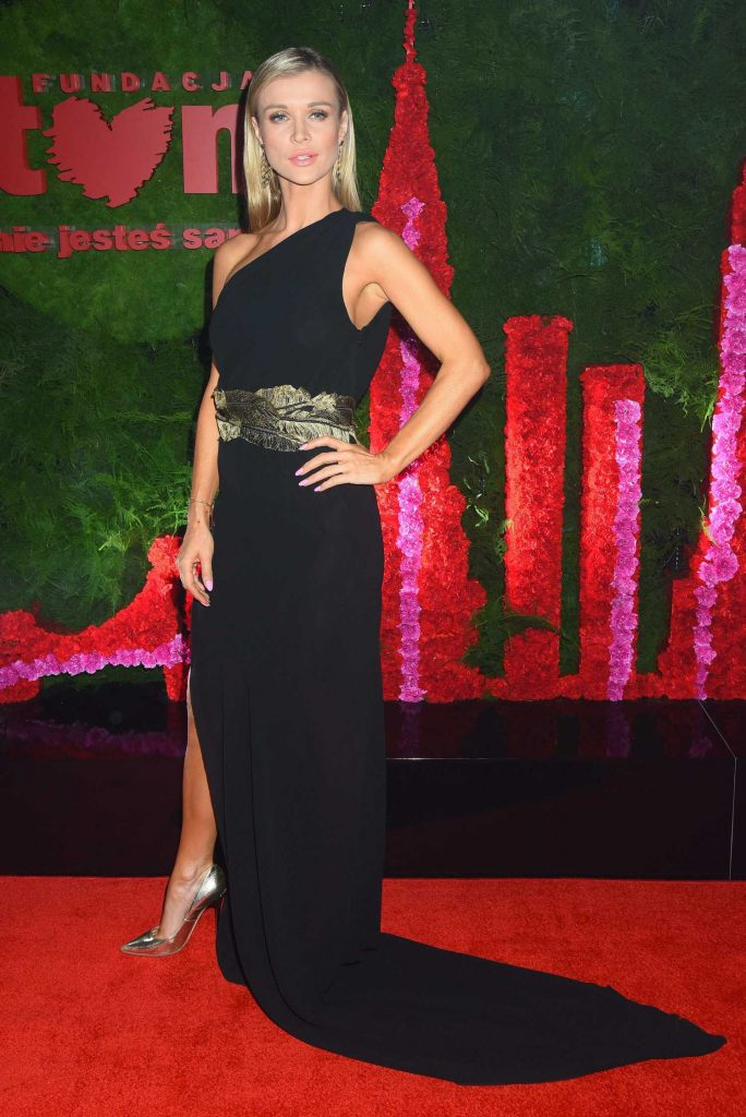 Joanna Krupa at TVN Foundation Ball in Warsaw-1