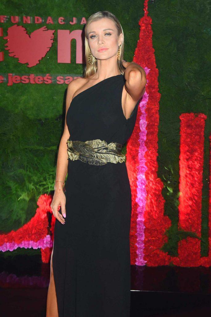 Joanna Krupa at TVN Foundation Ball in Warsaw-2