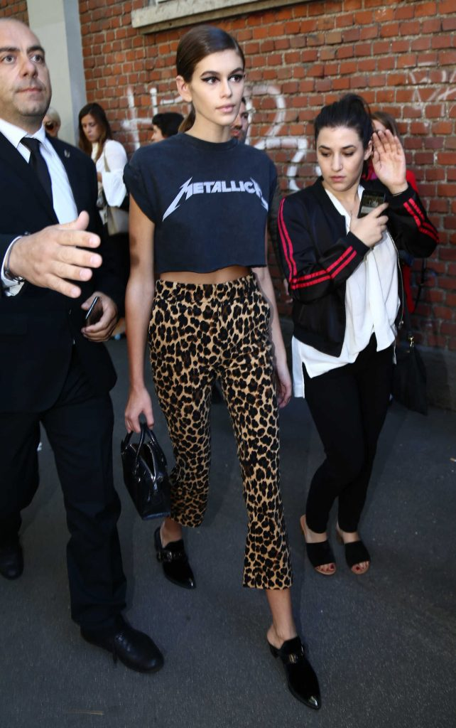 Kaia Gerber Leaves Fendi Fashion Show During Milan Fashion Week in Milan-1