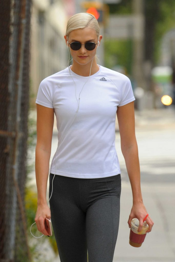Karlie Kloss Hits the Gym in NYC-1