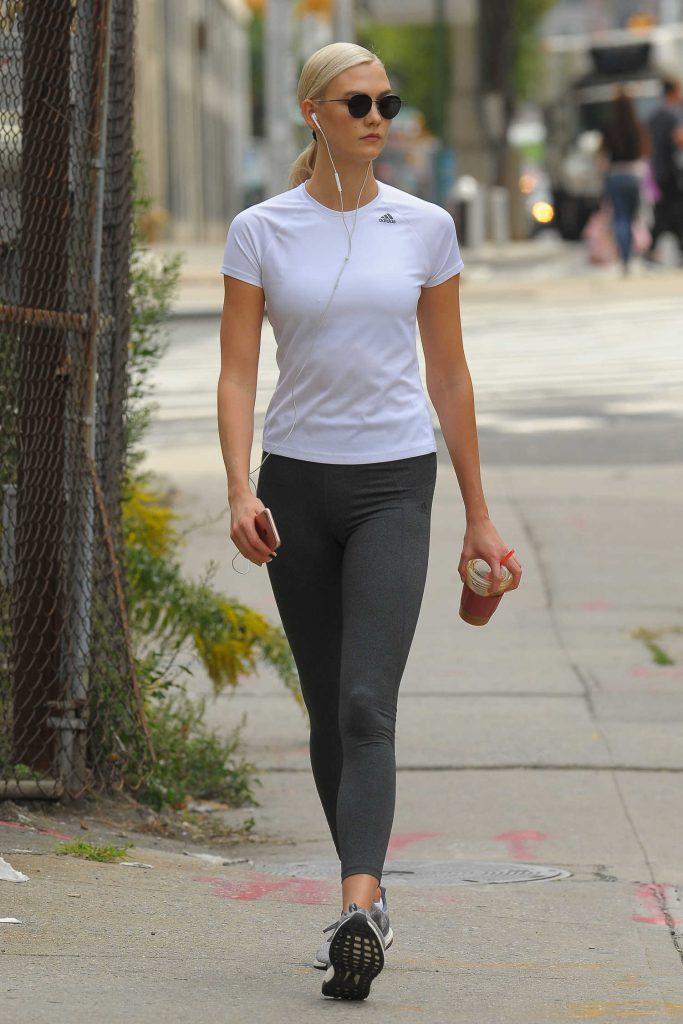 Karlie Kloss Hits the Gym in NYC-3