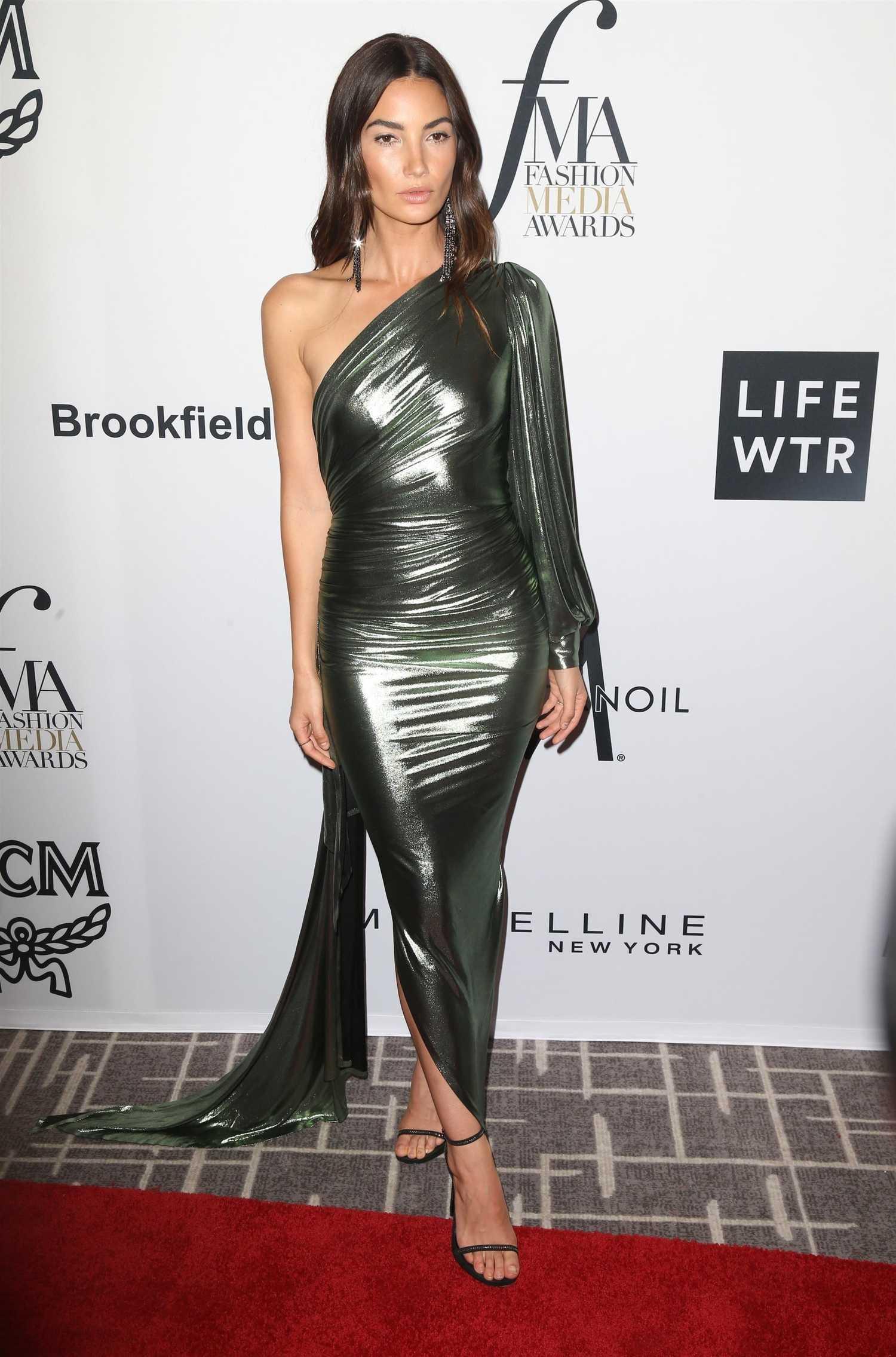 Lily Aldridge At Daily Front Row Fashion Awards During New York Fashion Week Celeb Donut