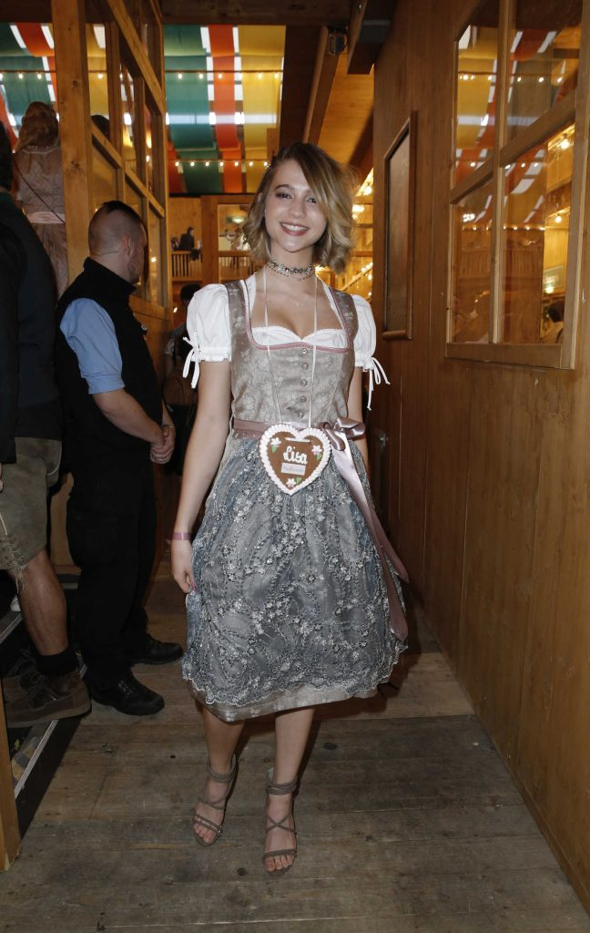 Lisa-Marie Koroll at Oktoberfest in Munich-1